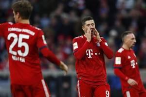 Bundesliga:Bensebaini erledigt die Bayern