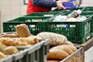 Armut in Deutschland - Besonders Rentner: Immer mehr Menschen beziehen ihre Lebensmittel von den Tafeln
