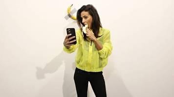News vom Wochenende: Danke, sehr gut: Performance-Künstler isst Banane im Wert von 120.000 Dollar