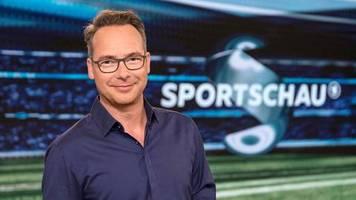 Mikro noch offen: Opdenhövel verrät in Sportschau Ergebnis des Spitzenspiels – TV-Zuschauer ärgern sich auf Twitter