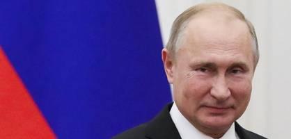 Kramp-Karrenbauer fordert weitere Maßnahmen gegen Moskau