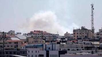 Israel fliegt Luftangriffe im Gazastreifen nach Raketenbeschuss