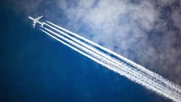 inlandsflüge: ein tempolimit am himmel könnte dem klima helfen