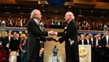 Literaturnobelpreis: 400 Menschen protestieren gegen Nobelpreis für Peter Handke