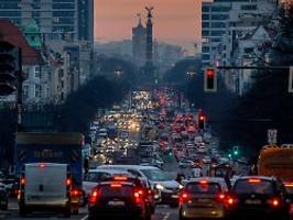 bundesland in vorreiterrolle: berliner senat erklärt die klimanotlage