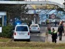 Vier Menschen nach Schüssen in Krankenhaus – Täter auf der Flucht