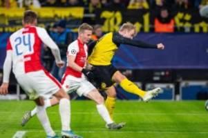 Champions League: Schützenhilfe von Barca: BVB zittert sich ins Achtelfinale