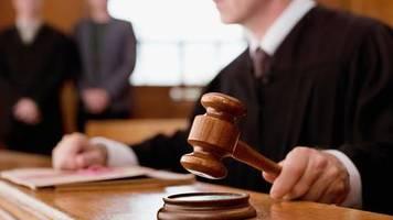 Urteil in Augsburg: Mann will Wohnung nur an Deutsche vermieten - daraufhin wird der Richter sehr deutlich