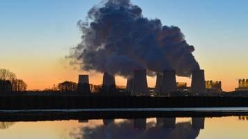 kohleausstieg: regierung kommt betreibern von kohlekraftwerken entgegen