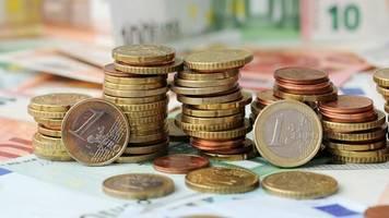 Niedrigzinsumfeld: Bayern will Sparer über Bundesrat vor Negativzinsen schützen