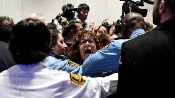 200 aktivisten nach lautstarkem protest von un-klimakonferenz ausgeschlossen