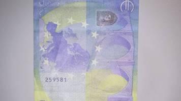 Betrugsmasche: Falschgeld im Umlauf: Polizei warnt vor täuschend echtem Movie Money