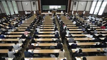 Japan: Neunjähriger Junge besteht Mathe-Test an der Uni