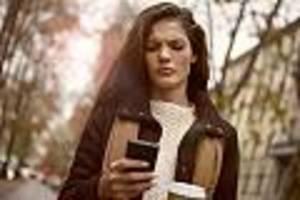Bitkom-Studie - Anzahl versendeter SMS auf niedrigstem Stand seit 1999