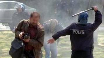Bericht aus den USA: Weltweit 250 Journalisten in Haft