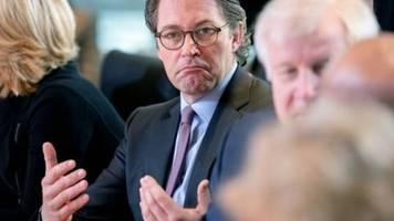 Ausschussvorsitzender kündigt gründliche Prüfung von Vorwürfen gegen Scheuer an