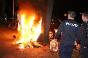 polizeibericht: kühlschrank geht auf der straße in flammen auf