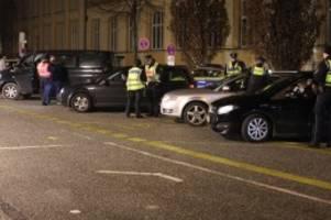 Hamburg : Große Glühwein-Kontrolle: Polizei überprüft Autofahrer