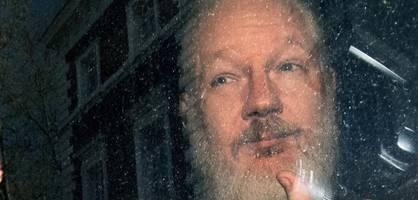 vater von julian assange bittet angela merkel um hilfe