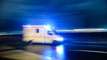 auto kracht in lastwagen: fahrer stirbt in unterfranken