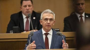 Heftige Kritik an Oberbürgermeister Feldmann in Awo-Debatte