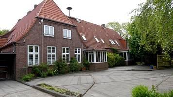 friesenhof-schließung: zivilrechtliche klage geplant