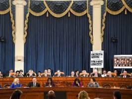 Kommt Amtsenthebungsverfahren?: Hitzige Debatte verzögert Trump-Abstimmung
