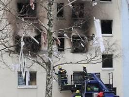 wohnblocks unbewohnbar: polizei ermittelt nach explosion im harz