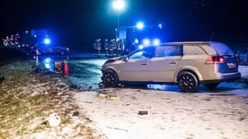 nachrichten aus deutschland: keine richtige rettungsgasse gebildet: einsatzkräfte müssen 300 meter zur unfallstelle laufen