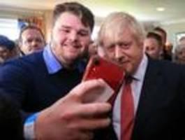 Johnson lässt sich in einstigen Labour-Hochburgen feiern