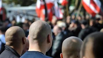 Sachsen-Anhalt - CDU-Politiker auf Neonazi-Demo: Grüne fordern Reaktion