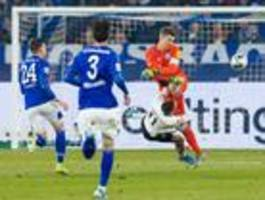 Schalke gewinnt gegen Frankfurt und bleibt Vierter