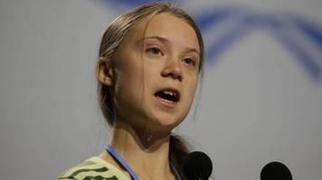 Keine Kritik an der Bahn: Darum saß Greta Thunberg im ICE auf dem Fußboden