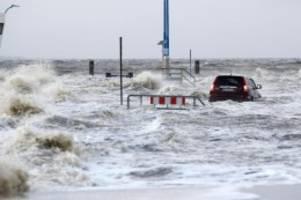 Wetter: Erste Sturmflut des Winters in Hamburg