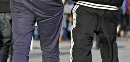 gymnasium verbietet jugendlichen jogginghosen