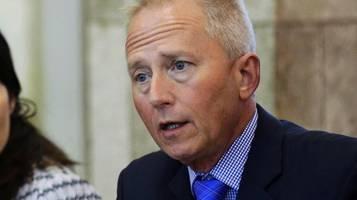 impeachment gegen trump: demokratischer abgeordneter jeff van drew verlässt partei