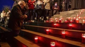 freiheitsmarsch in rumänien zur erinnerung an revolution gegen ceausescu