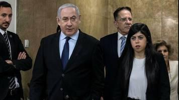 während wahlkampf-event: raketenangriff aus gaza zwingt netanjahu offenbar kurzzeitig in einen schutzraum