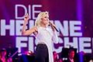"""TV-Kolumne """"Die Helene-Fischer-Show"""" - Helene routiniert in Weihnachtsshow - bis Comedians Witze auf ihre Kosten machen"""