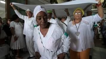 video: kubas priester empfehlen toleranz und treue