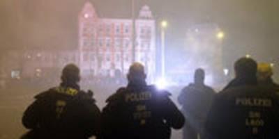 angriff auf polizei in leipzig: nebel über connewitz