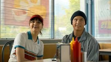 Netflix, Amazon Prime Video und Co.: Erster deutscher Netflix-Film Isi und Ossi startet an Valentinstag