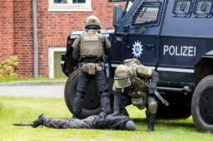 hamburg: polizei kann nicht in schule üben – aus kostengründen