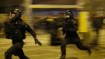 vorwürfe gegen polizei - nach silvester-ausschreitungen: videos werden geprüft