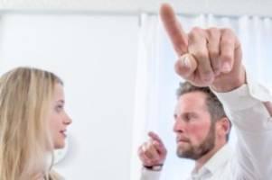 arbeitsrecht: darf ein vorgesetzter seine mitarbeiter anschreien?