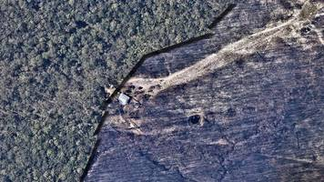vorher-nachher-bilder: australien, ein verbranntes land: luftbilder zeigen die zerstörungen durch die buschfeuer