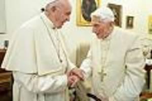 """Papst-Biograf warnt vor Kirchenspaltung - """"Krieg der Päpste wird immer heißer"""": Streit um Priester-Ehe birgt Gefahr für Kirche"""