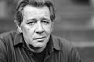 +++ Trauerfeier für Jan Fedder im Live-Ticker +++ - Familie und Fans nehmen im Hamburger Michel Abschied von Schauspieler Jan Fedder