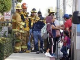 Los Angeles: Flugzeug lässt Treibstoff über US-Schulen ab - mehr als 40 Verletzte