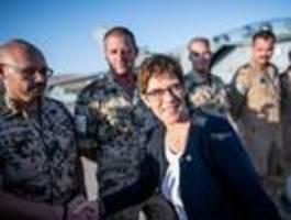Kramp-Karrenbauer zu Überraschungsbesuch bei Soldaten im Irak